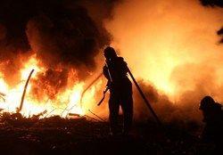 آتش نمایشگاه بهاره تهرانسر را سوزاند