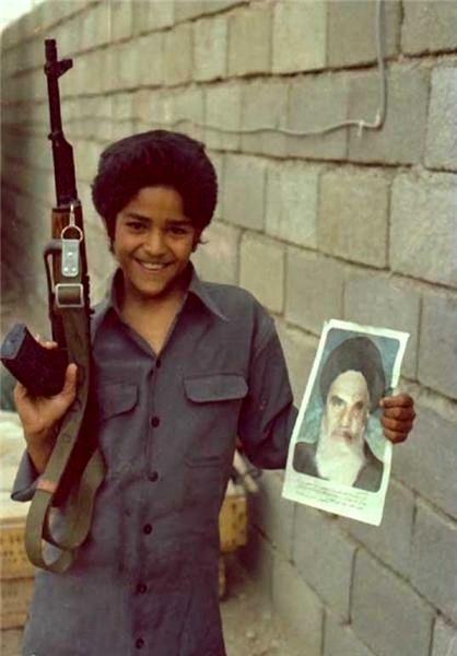 عکس/ لبخند شیرین نوجوان خرمشهری