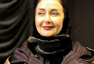 بازیگر زن مشهور با دست شکسته در جشنواره فجر/عکس