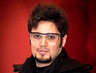 آقای بازیگر در کنار آرامگاه «عباس کیارستمى»