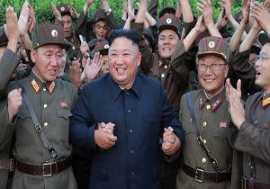 کیم جونگ اون به دانشمندان فعال در عرصه دفاعی ترفیع مقام داد