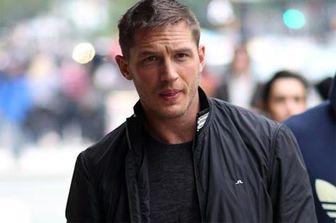 تام هاردی در نقش آل کاپون ظاهر میشود