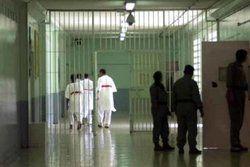 ممانعت زندانبان بحرینی از درمان سرطان دبیر کل جنبش «حق» بحرین
