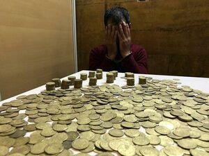 دستگیری ۲ قاچاقچی و کشف یک هزار و ۳۰۰ عدد سکه تاریخی