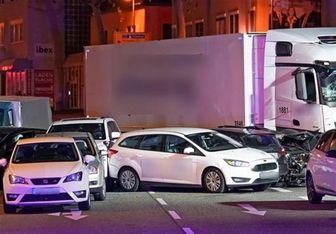 برخورد یک کامیون به چند خودرو در آلمان با انگیزه احتمالا تروریستی